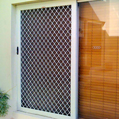 Aus-Secure Security screens ranges from fly screen, security screen doors, ClearShield Stainless Steel Security Screens, AusClear Aluminium Security Screens, Aluminium Diamond Grille Security Screens and windows
