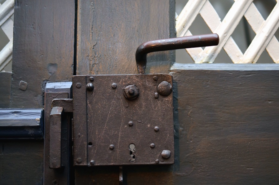 How Security Doors Increase Your House's Value